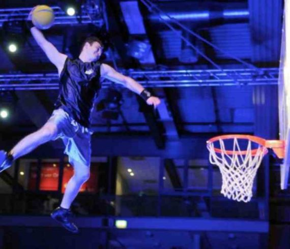 crazydunkers, dunkers, dunk show, dunk act, basketball act, basketball show