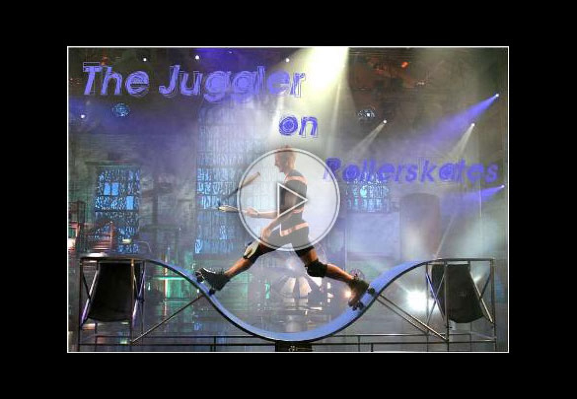 juggling on rollerblades, jongler sur rollerblade, movement, dynamic
