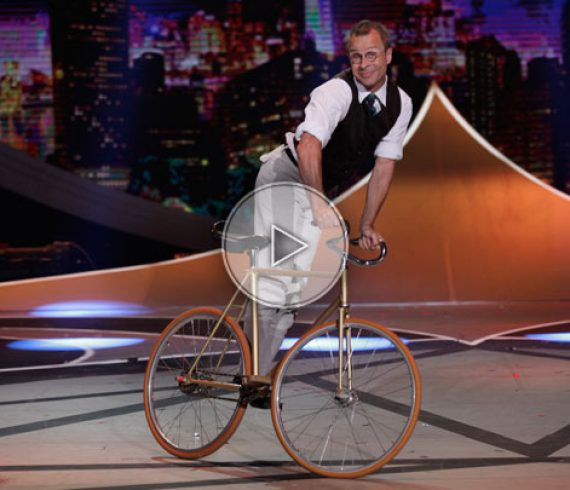 bicycle act, le vélo, numéro de vélo, comedy bicycle, french bicycle, le vélo français
