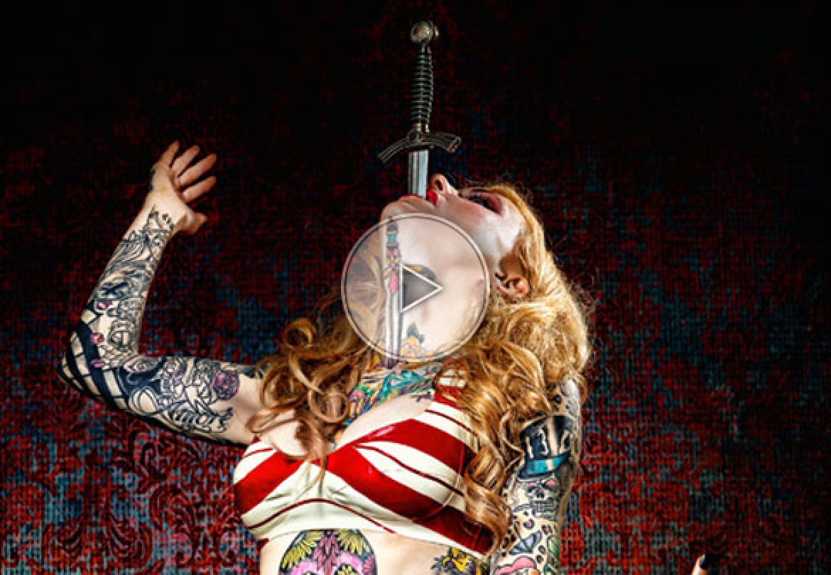 sword swallowing, sword, magic sword, spicy sword, tatoo, tatouages, avaleuse de sabre