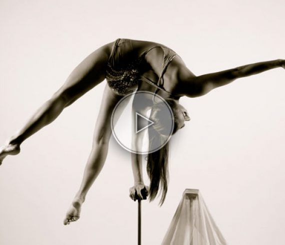 beauty on a cane, hand balance female artist, female acrobat, female artist, female hanb balance