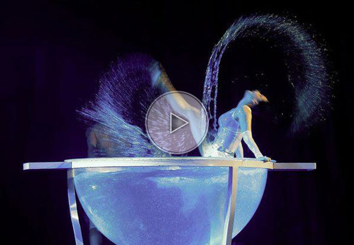 water contortion, water act, water bowl act, contortion in a bowl, water bowl, poland