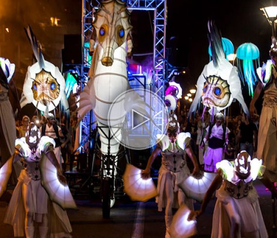 lighting parade, sea parade, lighting jelly fish, sea walk about, sea stilt walkers, lighting fishes