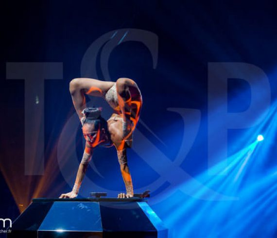 paris contortionist, contortion on a diamond, contortion paris, contortionist, paris contortion