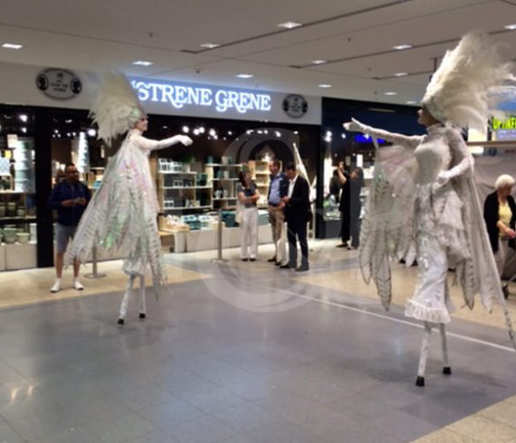 sosterne grene, inauguration, store, stilts walkers, show, entertainment, opening, hamburg,