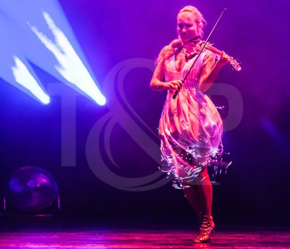 lighting violinist, laser violonist, music, event, hungary, budapest, show, hungarian french chamber of commerce
