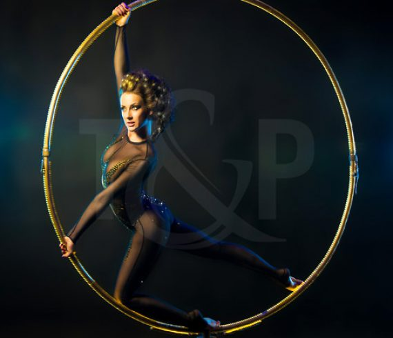 event, show, new year's eve, monaco, hotel de paris, artists, contortionist, juggling, juggler, magician, close-up magician, magic, party