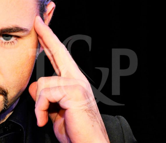 magician, magic, magical, close up, close up magician, corporate, event, show, perfomer, artist, france