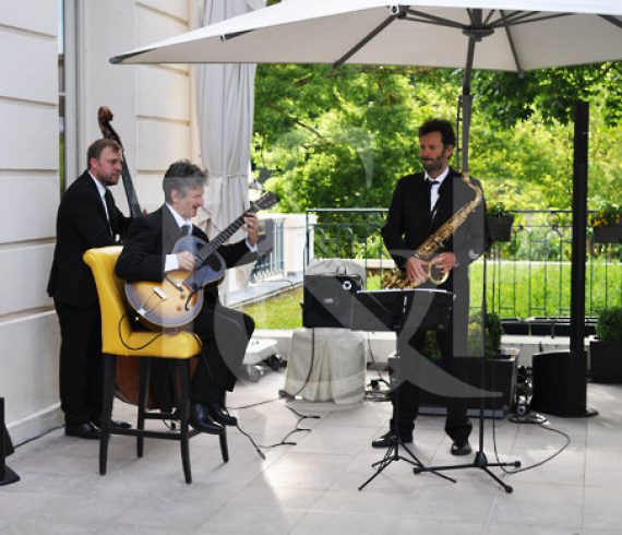 music, musician, jazz, swing, live band, music band, live music band, france, versailles, event, corporate event, show, performers