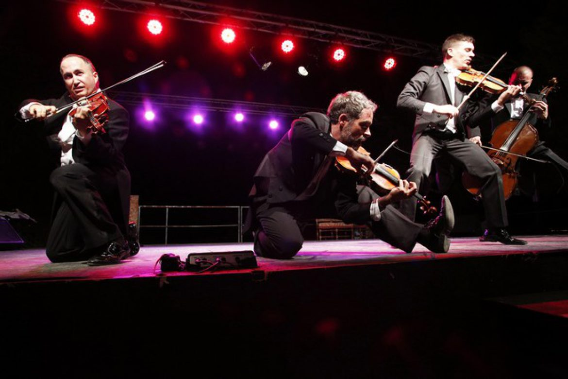 musical show, musicians, humor and music, corsica, humoristic show, event show