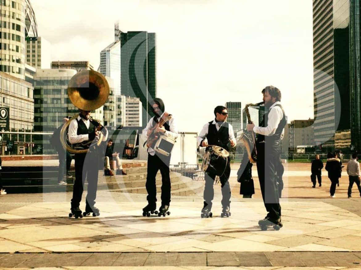 Levallois Perret, roller band, music on rollers, musical rollers, brand band roller, roller brass band