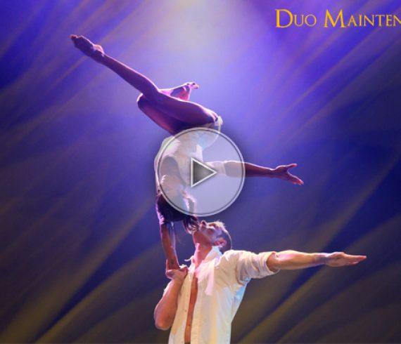 duo maintenant, romantic handbalance, main à main romantique