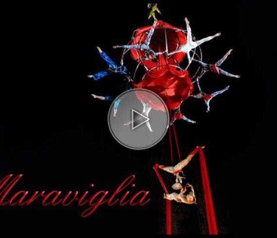 circus, cirque, show, spectacle, aerial circus, cirque aérien, red, rouge