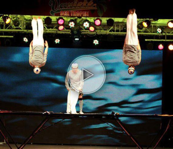 marins, marin, trampoline, acrobatics, acrobaties, trio, sea, water, eau, mer