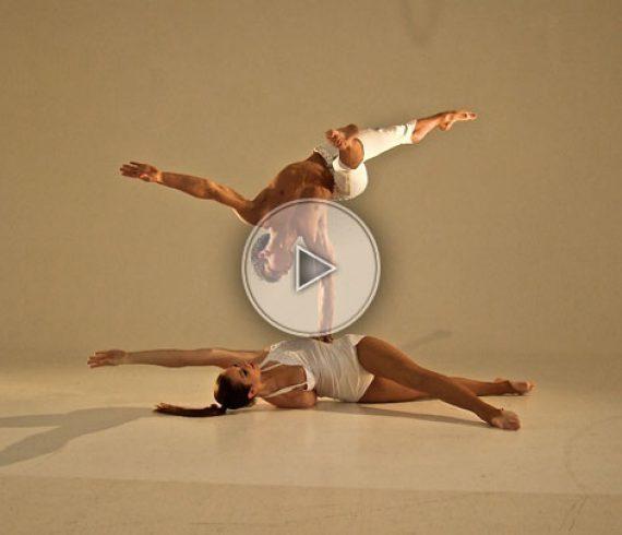 hand-to-hand balancing act, balancing act, man and woman, main à main, numéro d'équilibre, handbalance