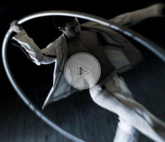 artiste roue cyr, cyr wheel artist, cyr wheel performer, artiste français, french artist, french performer