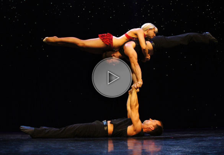 trio acrobatique, handbalance trio, trio main à main, main à main mixte, mixt handbalance, handbalance troup