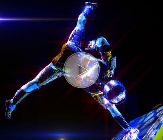 silver knight performer, chevalier argenté, handbalance knight, silver handstand, chevalier équilibriste, équilibriste