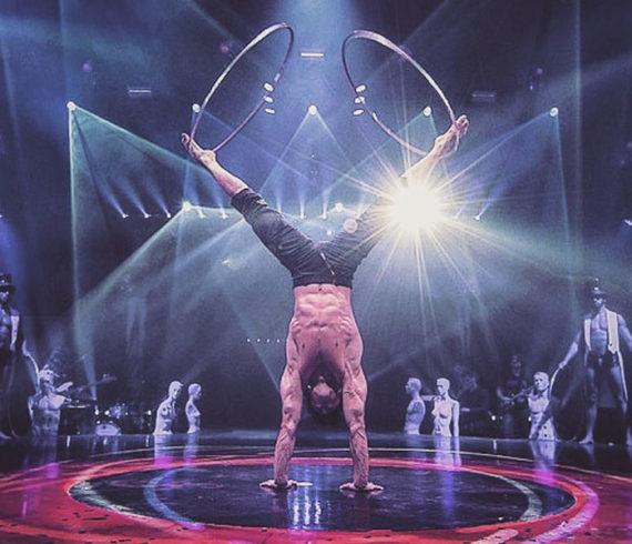 hula hoop show, male hula hop show, sexy man hula hoop, man hula hoop show