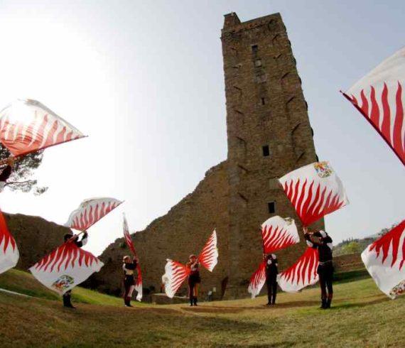 flag artists, flag jugglers, juggling flags, flaggers, italian flag artists, flags