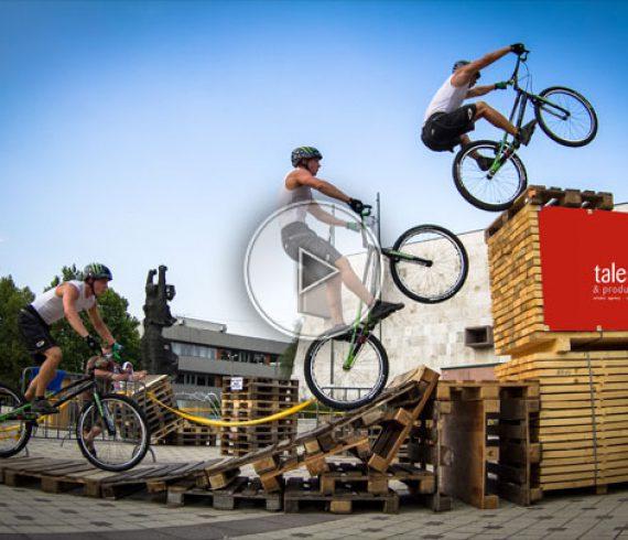 bmx stunt artist, bmx stunt acrobat, bmx acrobat, bmx entertainment, bmx
