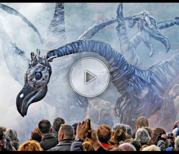 giant dinosaurs, giant dinosaurs, giant dinosaurs street show, giants, dinosaurs, street show