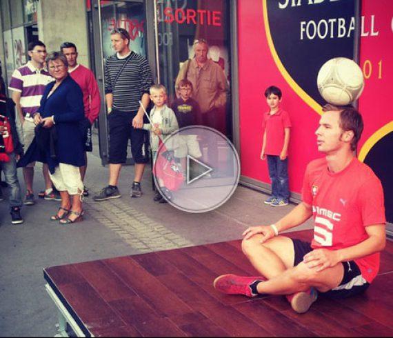 freestyle football, football freestyle, paris football, football juggler, juggling football