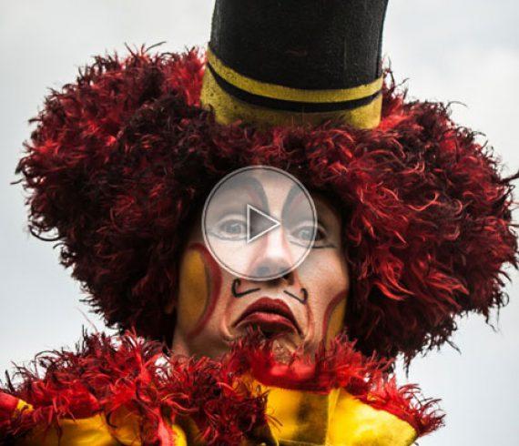 circus stilts walkers, stilts walkers, clowns on stilts, circus stilt walkers, circus