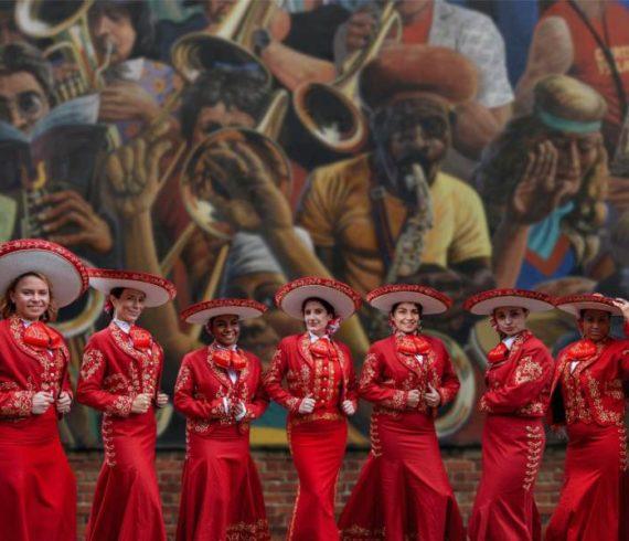 mariachi girls, mariachi girl, latino music, latin, gitar players