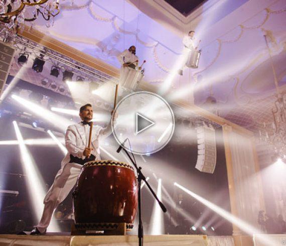 aerial drummers, aerial drumms, hanged drummers, drummers show, aerial show, drummers, drumms