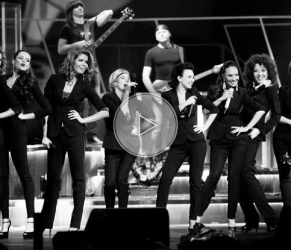 singing divas, divas, singers, beatiful singers, amazing singers, women singing troupe, singing creatures
