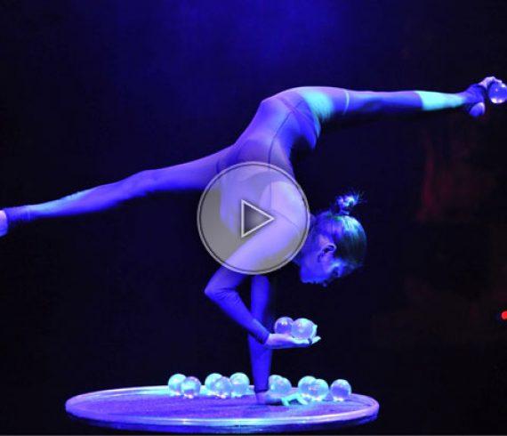 crystal ball juggling, crystal balls, crystal ball handbalance, crystal balls contortion