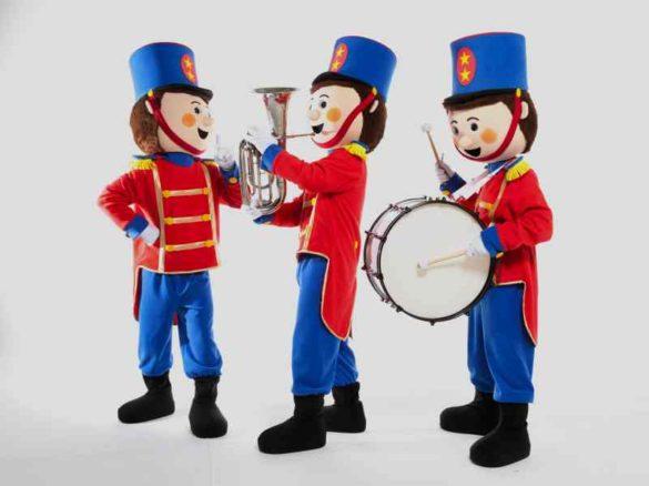 three little soldiers, kids walk around, kids walk about, kids entertainment, music soldiers, kids soldiers, toy soldiers
