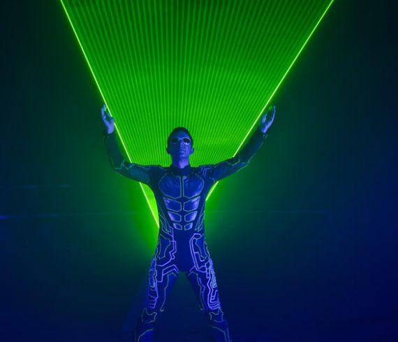 laser show paris, paris laser entertainer, hotel george V, Hôtel George-V, birthday party, birthday entertainer