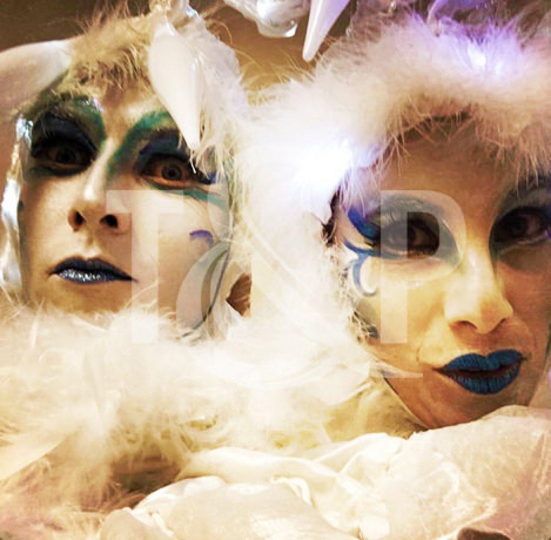 stilt walkers, artists, metz, france, event, show, galeries lafayettes, circus