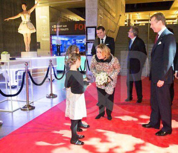 event, show, performer, luxembourg, stilt walkers, dancers, bodypaint, bodypainting, acrobats, glamour