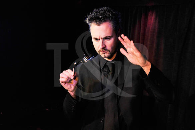 magician, magic, close up magician, close up magic, magical, artist, performer, show, event, monaco