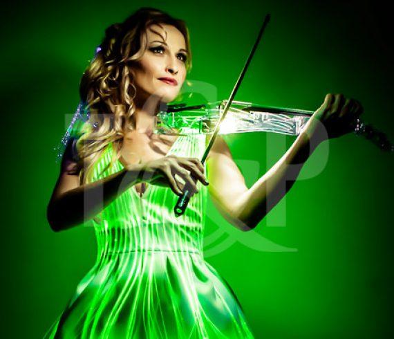led violinist, luminous violinist, musician, music, violin, led, show, event, artist, france, laser violinist