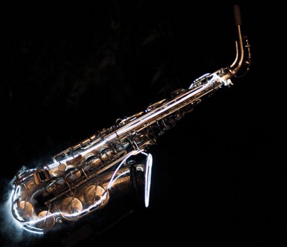 Saxo, saxophonist, music, musician, DJ live, live set music, live musician, led, led music, led musician, led saxo, led saxophonist, musical event, dj musician live, club saxophonist, club musician