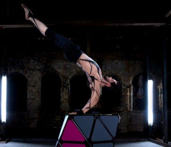 Rubiks cube, rubiks cube show, rubiks cube act, cube show, cube act, contorsion act, hand balance act, hand balance, hand balance show, contorsion show, color show, color act