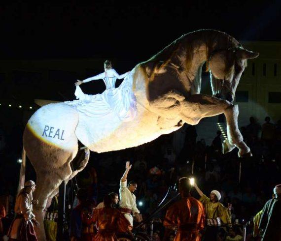 Giant horse, horse show, horse act, giant horse show, giant horse puppet, horse puppet, horse puppet show, horse puppet act