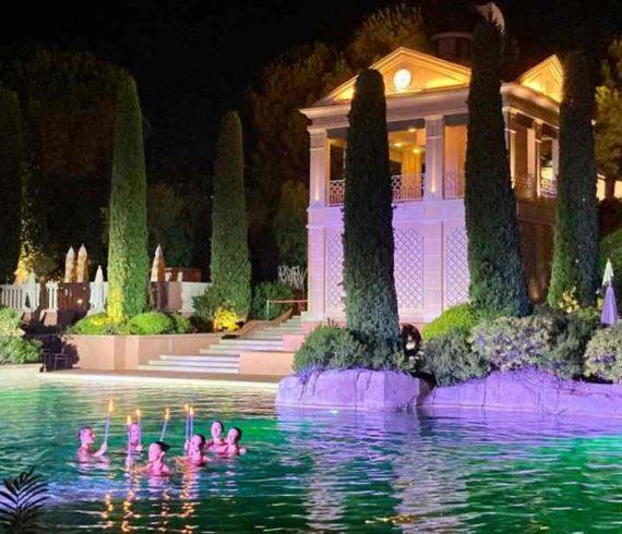 synchronized swimmers, swimmers monaco, French riviera, swimmers event, swimming act, synchronized swimmer Monaco